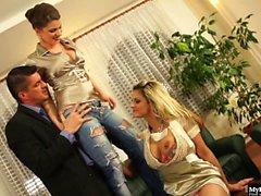 Klarisa Leone and Leony Aprill are so horny they cant...