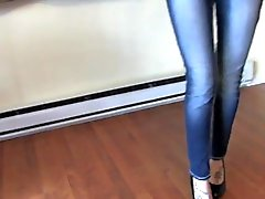 Laci Wets Her Jeans