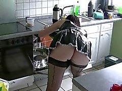 mijn vrouw als sexy dienstmeisje deel 2 van 3