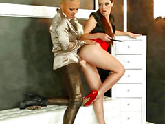 Gloryhole euro straponfucked in three-some