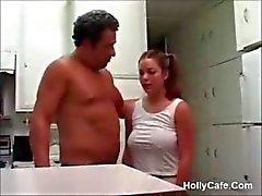 Busty Teen Fucked door een veel oudere man