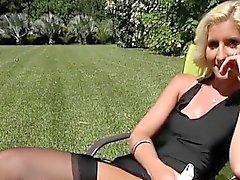 Blondie Mckenzi Reynolds Flashes Her Pussy To Gardener