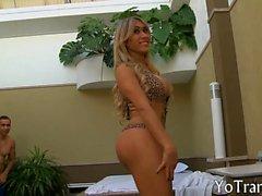 Curvy blonde brazilian tranny gets her asshole pumped