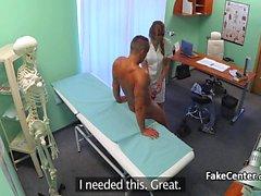 Kaveri fucks hoitajat pillua sairaala-