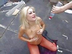 puta loira suja fica sua garganta fodido duro e profundo