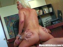 Femme Blonde Bigtit Diamond Foxxx Bureau baise