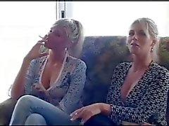 2 tupakointi tytöt