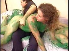 paint in green