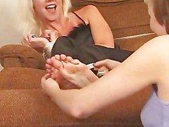 peach feet