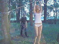 Chatte slavegirl vibrer dans le servage libérée à une gâterie