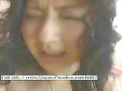 Megumi de Haruka ado jeune fille chinoise monte un godemiché