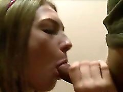 College girl sex in thresoome on bed