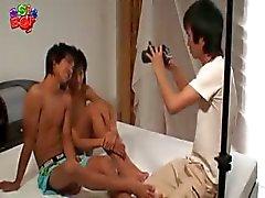 Asiatiska twinks 11