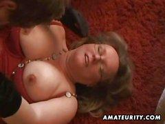 La mujer aficionado y la Gordas tetona mama y mete con esperma