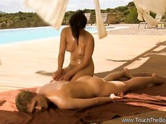 Special Massage Offers Good Relaxation