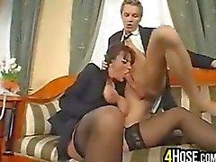 Plantureuse femme d'âge mûr avoir des relations sexuelles