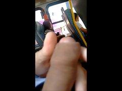 Masturbation dans le bus 4