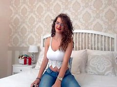 flicka shininglove blinkande bröst på live webbkamera
