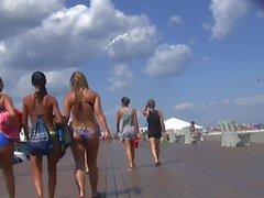3 Babes Leavin' the Beach