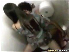 Espionaje a Por Escuela Los estudiantes follando en Un inodoro que