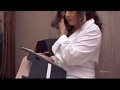 Jessica Rizzo sıcak doktor lezbiyen bir hastayı yaladı
