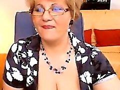 Fat Granny Näyttää tissit