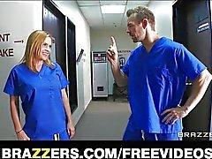 Internes des hôpitaux Excitée deviennent baise été capturées