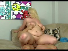 huge assed blonde milf fucked in her fat ass