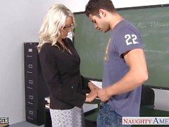 insegnante di sesso prima di Emma Starr fare cazzo in aula