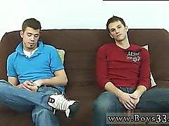Punapäinen ripustaa homo- Twinks Molemmat ihmisiä unclothed off ja istumaan