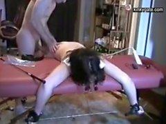 Slave Dora actúa como la carne de mierda