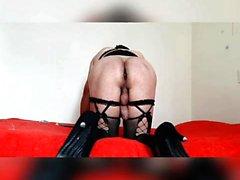 Sexy азиатских игрушки ее киска и попка на веб-камеру