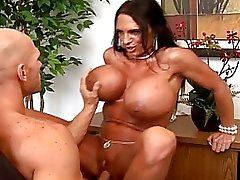 Sexy Busty sihteeri vitun kova hänen pomo