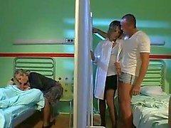 Las enfermeras Blanco frecuentes Orgy
