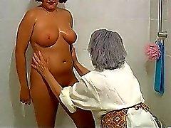 OmaPass Grandes y Hermosas gordito Abuelita con los la mujer viejo maduros en el baño