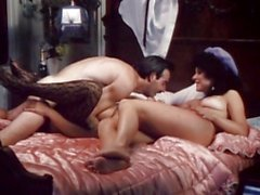 Slutty bitch Vanessa del Rio gets real horny on bed for one hot action
