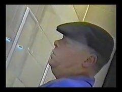 Yaşlı Erkekler Öfkeli Spycam