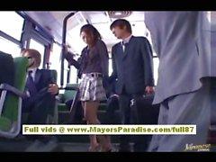 Maria Ozawa Chinesin is fucking mit zwei Männer am Strand
