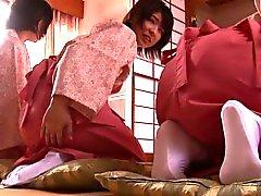 Nalgadas adolescentes japoneses tipo matrimonio, mientras que lo se masturba