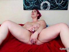 Orniest Amateur Redhead maturo ingoia sperma in webcam