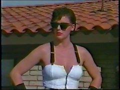 Lauren Brice, Randy Savage Bat Bitch tarafından becerdin 1990