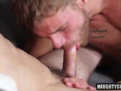 Big dick gays Oralsex und abspritzen