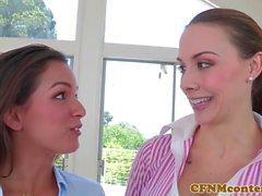 CFNM Chanel Preston lecca figa mentre cazzo