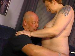 HausFrau Ficken - Mature German BBW housewife gets cum in mouth in hot sex