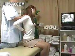 Candid van olie massage