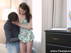 Teeny Lovers - Sexo le ayuda a estudiar geografía