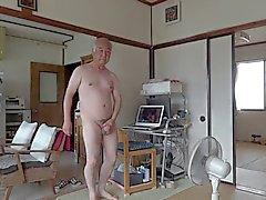 Japanese gammal man onani erigerad penis semen flöden