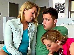Zoey And Cherie Saugen Sie Step Vater Big Schwänze