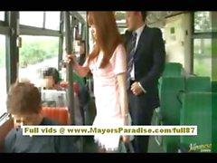 Рио азиатский подростковой милашки становится ее волосатые киски ласкать в автобус