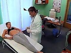 Paciente corto pelo coge tratamientos especiales